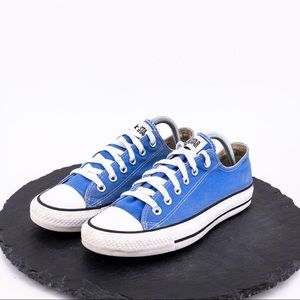 Converse Women's Blue Chucks Size 9
